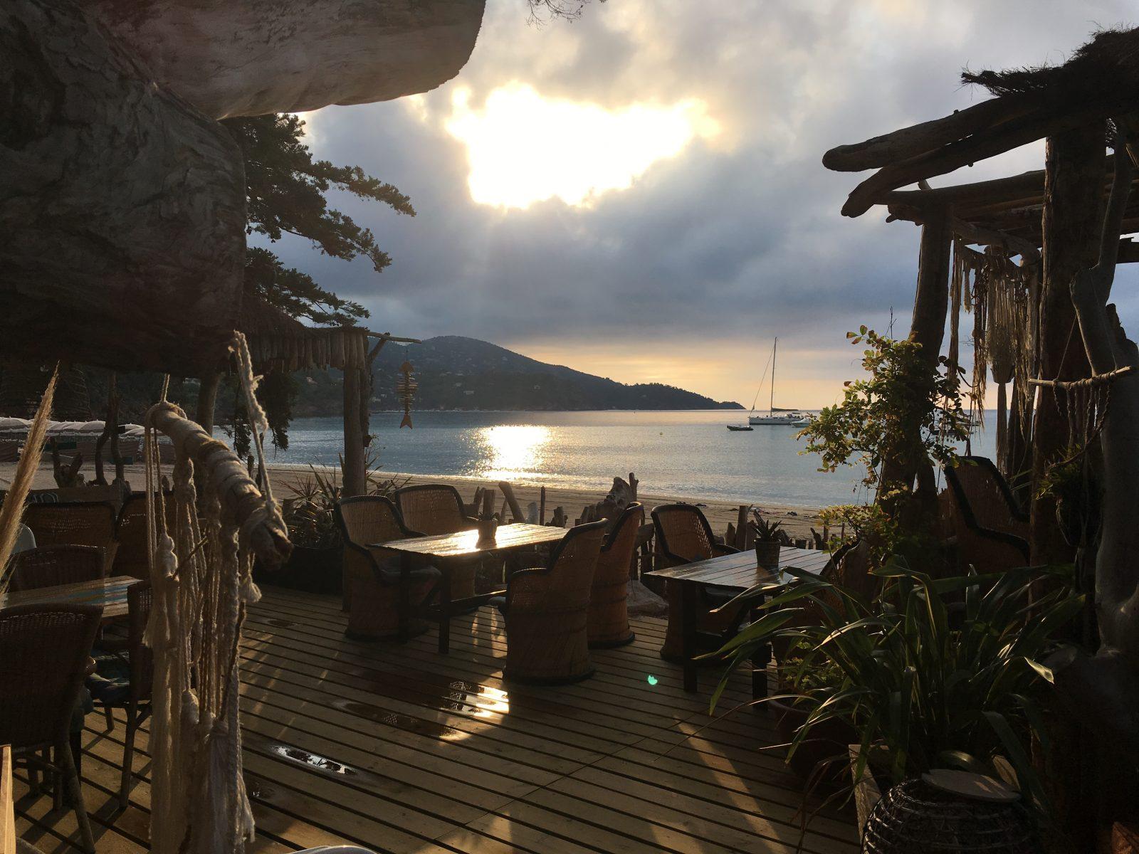 Restaurant de plage le café de la plage Pramousquier